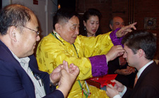Feng Shui Consultant Ken Lauher Receives Blessing from Lin Yun Rinpoche