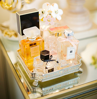display perfume resized 600
