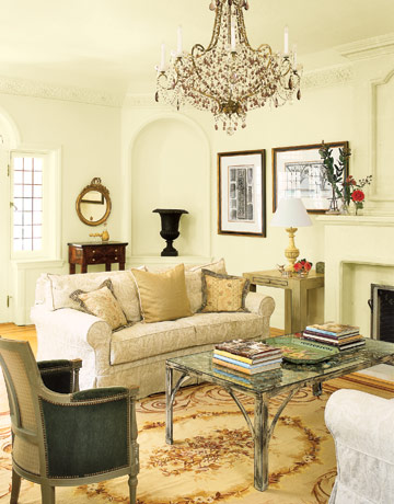 Feng Shui Your Living Room For More Stimulating Conversation